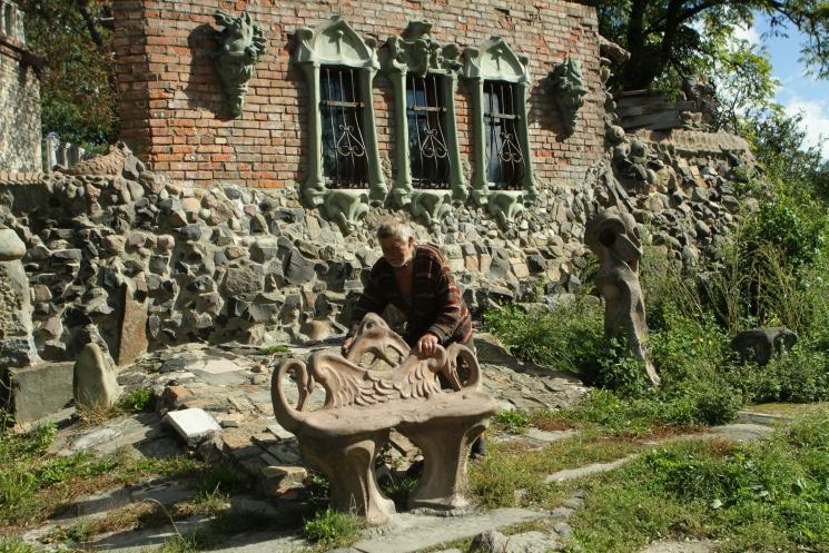 скульптор Головань, дом с химерами Луцк