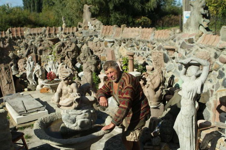 Николай Головань скульптор Луцк, Дом с химерами