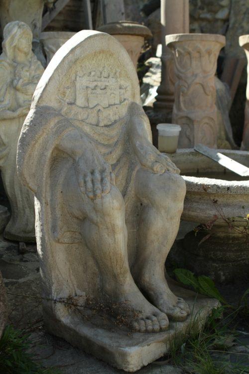 Дом с химерами, скульптор Головань