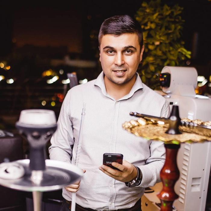 ПМЖ в ОАЭ, Украинцы в Эмиратах, ресторан