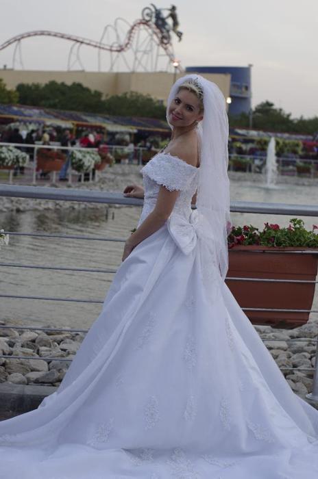ПМЖ в ОАЭ, Украинцы в Эмиратах, свадьба, платье