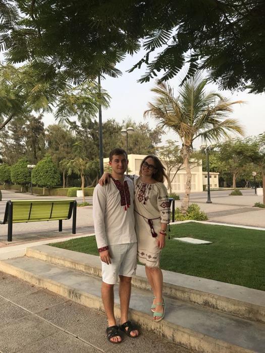 ПМЖ в ОАЭ, вышиванка, Украинцы в Эмиратах
