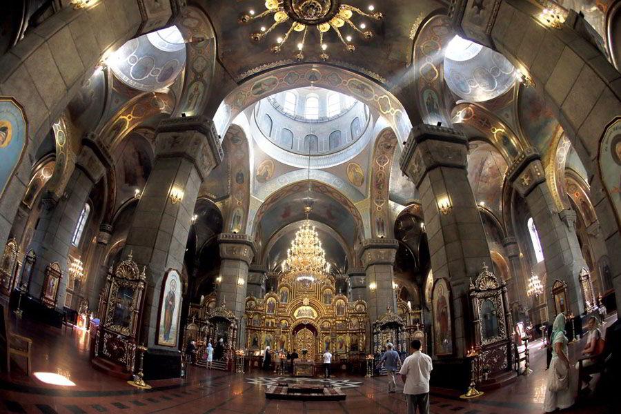 Житомир и его святыни –икона на стекле и мамонт в храме