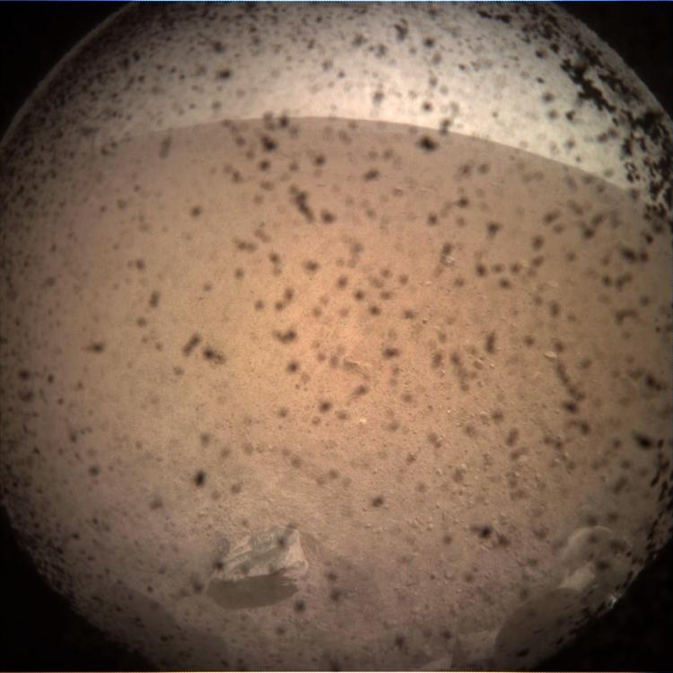 Самый первый снимок Марса от геолога