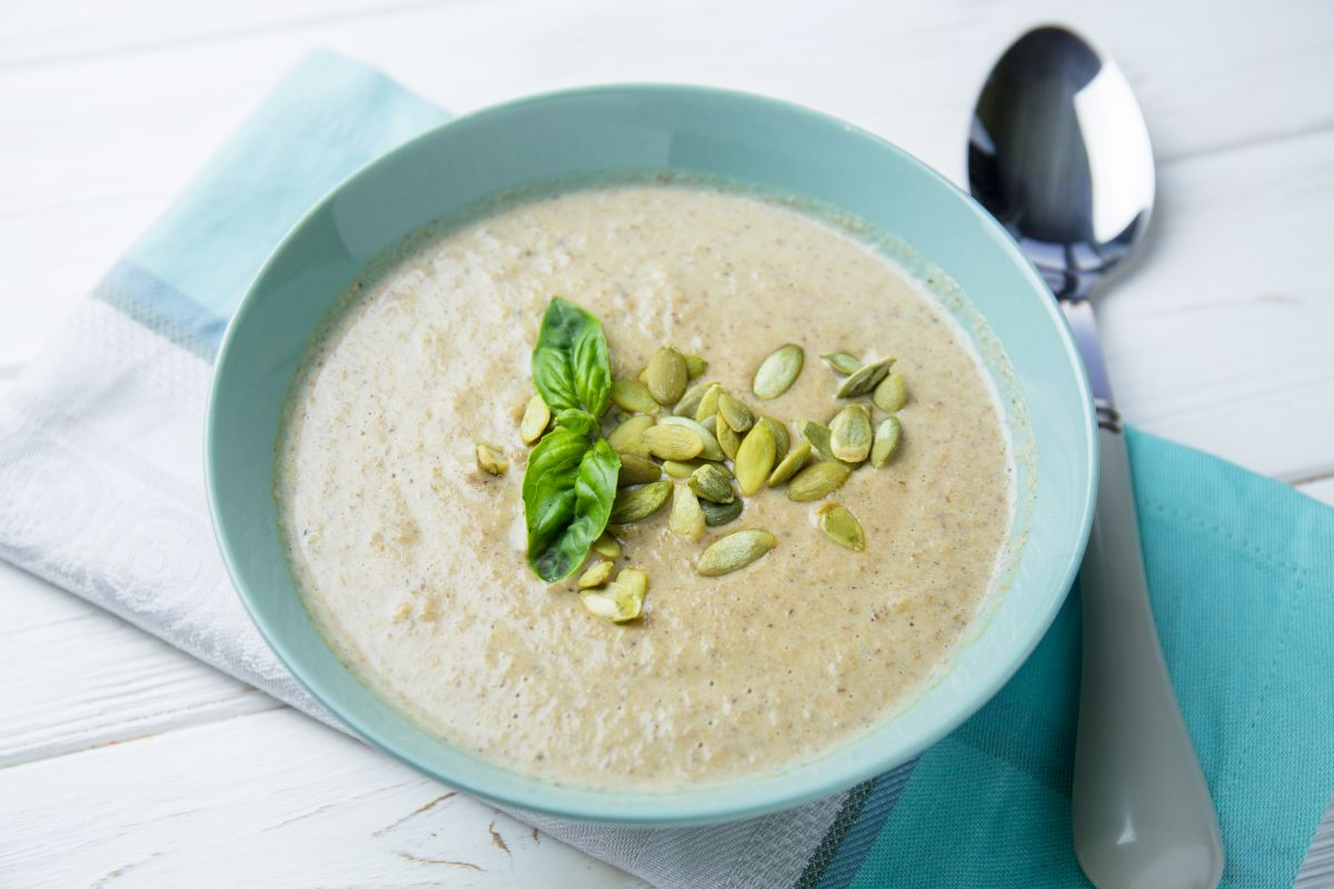 Грибной крем-суп – рецепт от Евгения Клопотенко