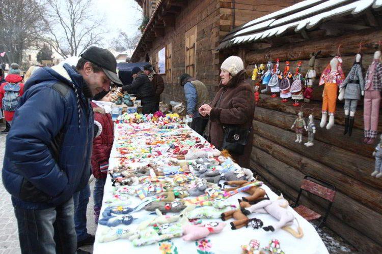 Фестиваль Святого Николая, торговля, Святой Николай чигирин резеденция подарки празник дети