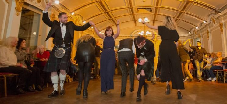 фишки дня - 31 декабря, Хогманай, танец кайли, шотландский новый год