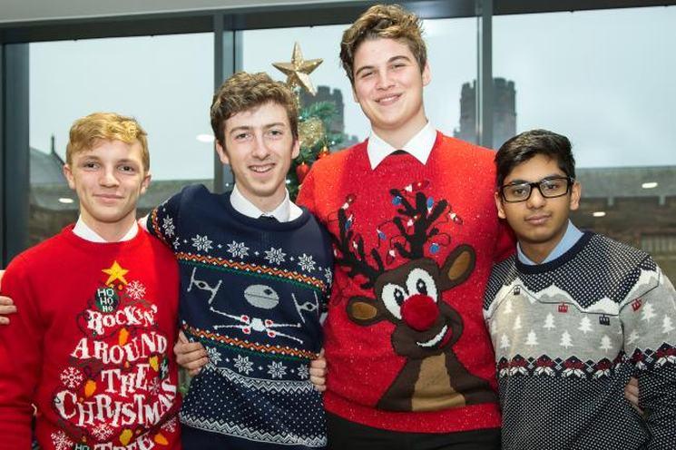 фишки дня - 14 декабря, рождественский свитер