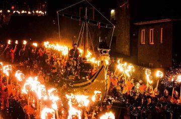 фишки дня - 29 января, Апхеллио, фестиваль огня Шотландия