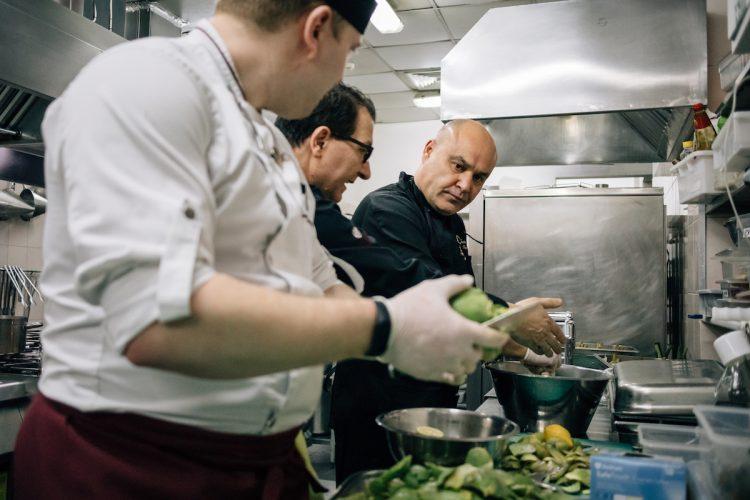 артишок, рецепт, Гаэтано Варко, шеф-повар, фестиваль сицилийской кухни, итальянская кухня, киев, отель опера, приготовление