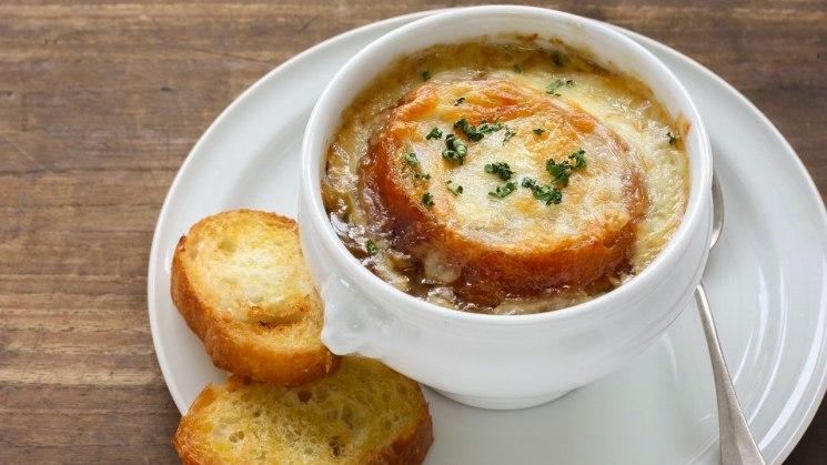 фишки дня - 5 апреля, день супа, луковый суп