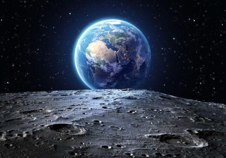 Вид Земли с Луны, космос