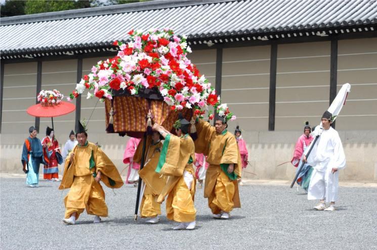 фишки дня - 15 мая, праздник мальвы Япония, Аой-мацури