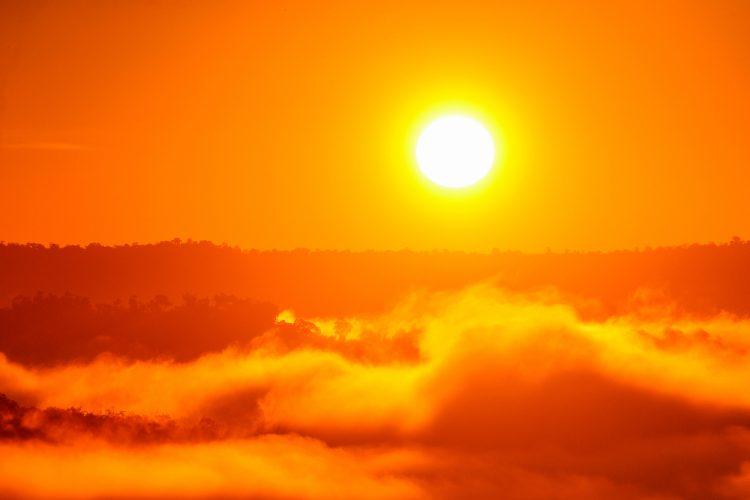 Shutterstock / FOTODOM UKRAINE, солнце, закат