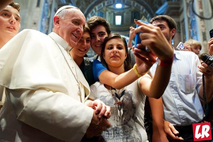 фишки дня - 21 июня, день селфи, селфи Папа Римский