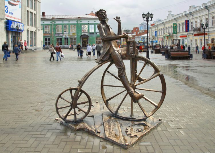 Ефим Артамонов, изобретатель велосипеда