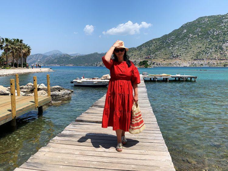 ПМЖ в Турции, Женщина, море