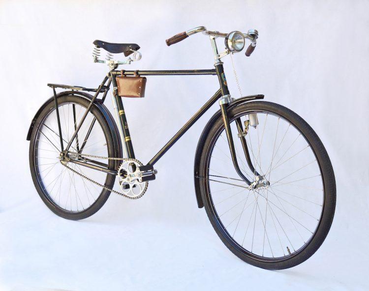 Велосипед «Украина» В-120, первая модель производства 1961 года