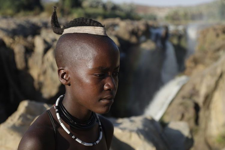 жизнь в Африке в племени химба