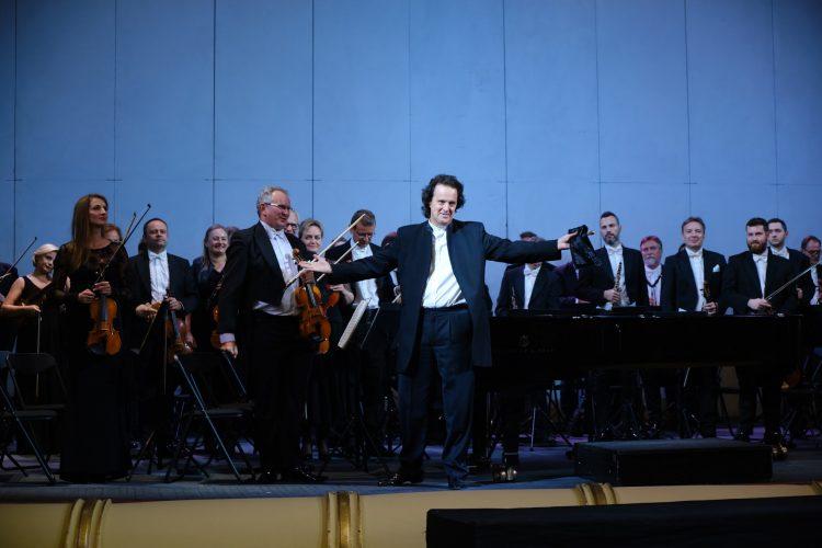 Хобарт Эрл, дирижер, музыкант, Национальная опера Украины, интервью, LifeGid, сцена