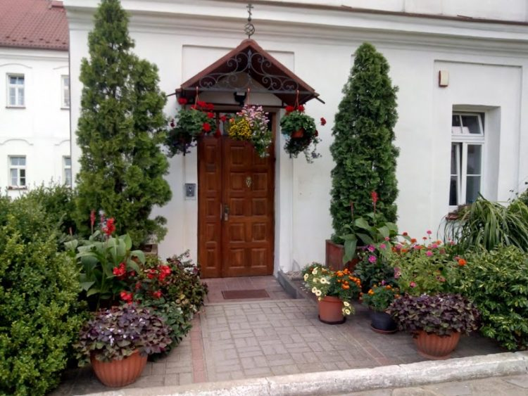 спецпроект Тайны монастырей, Польша, клумбы