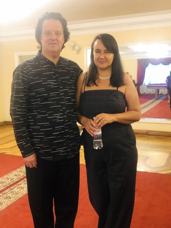 Хобарт Эрл с женой Аидой