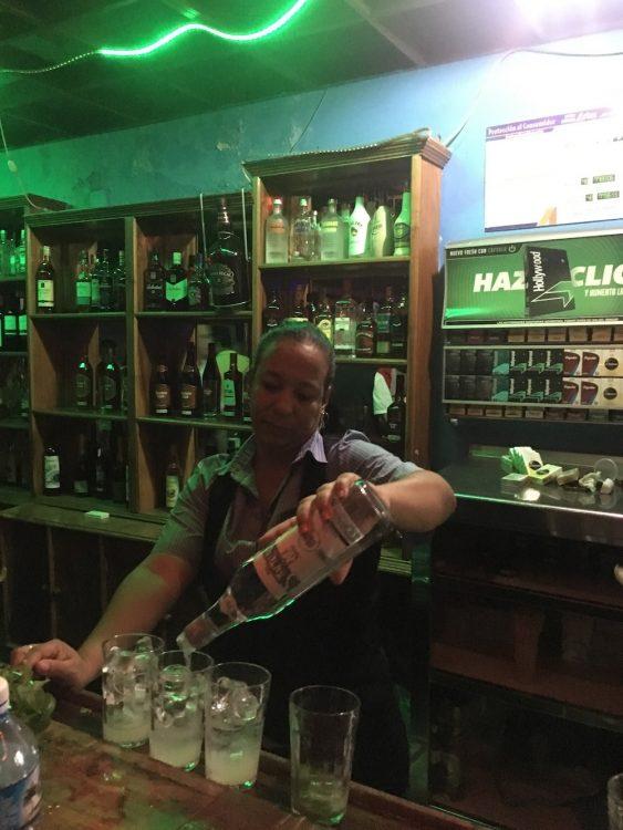 Куба, Долина Виньялес, бар, Хемингуэй