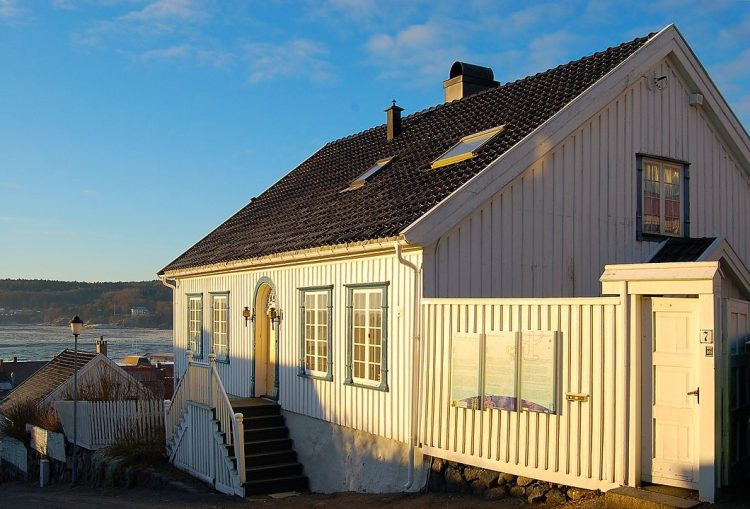 Дом в Ларвике, в котором прошли детские годы Тура Хейердала