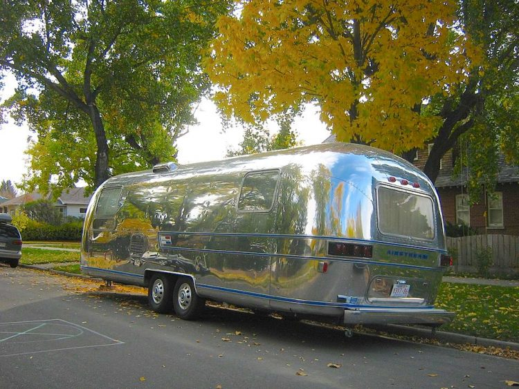 Фургон Airstream