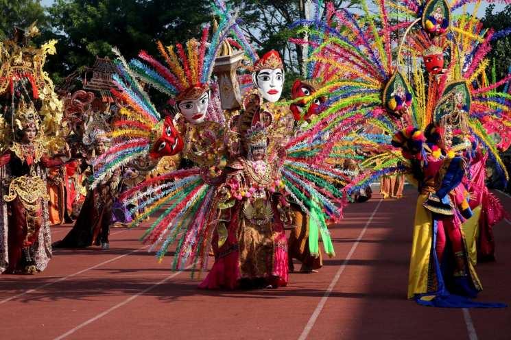 фишки дня - 2 октября, карнавал батик Ява