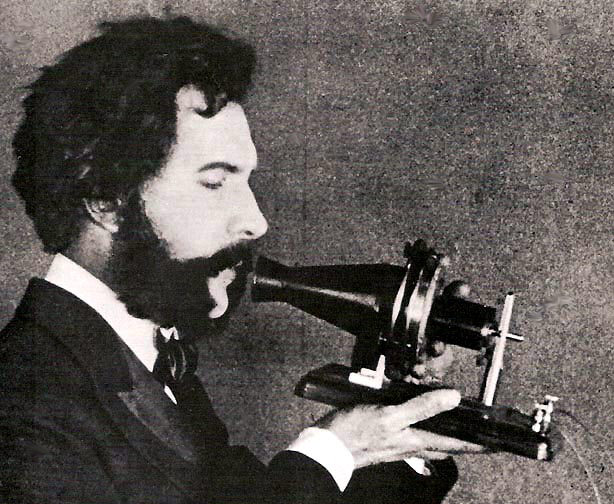 Александр Белл и его телефон