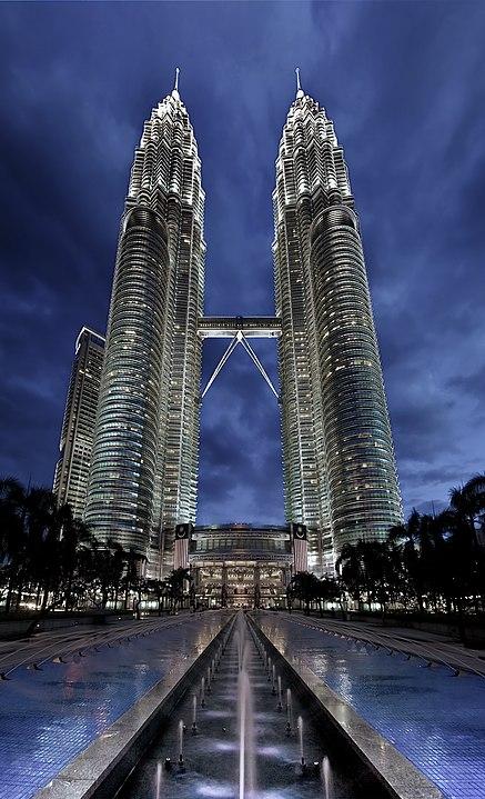 Башни Петронас в Куала-Лумпур