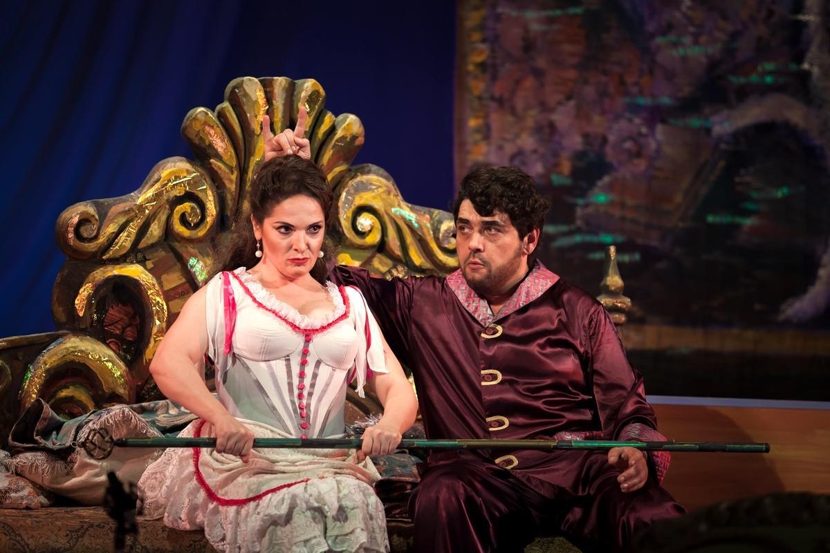 Афиша на октябрь 2020 в опере – с королями баса, но без цветов