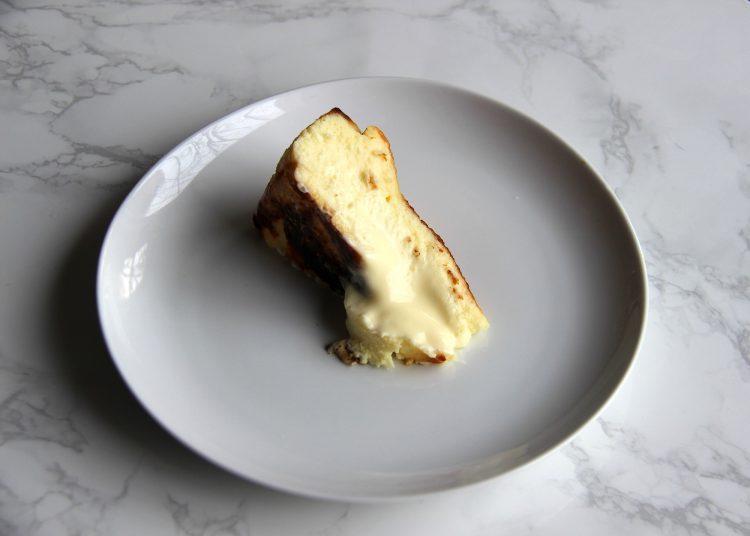 чизкейк Сан-Себастьян - рецепт, как приготовить чизкейк из Испании, бакский чизкейк, десерт, торт, горелый чизкейк