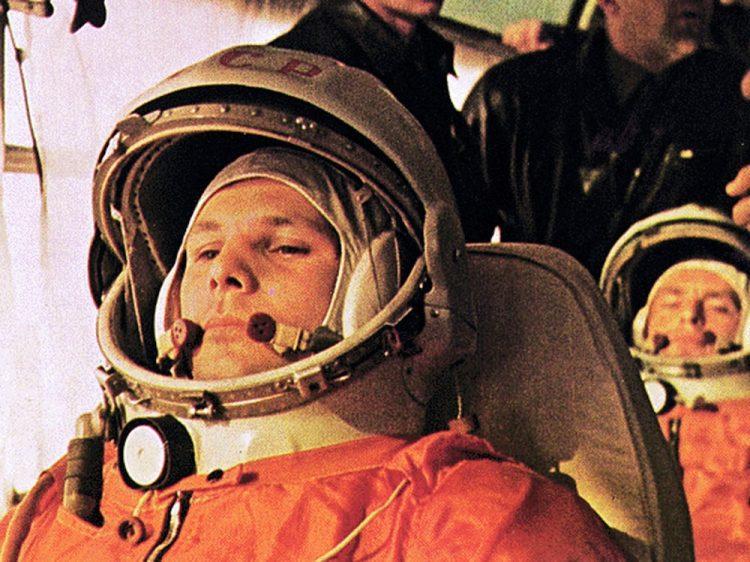 Гагарин, космос, старая фотография, история