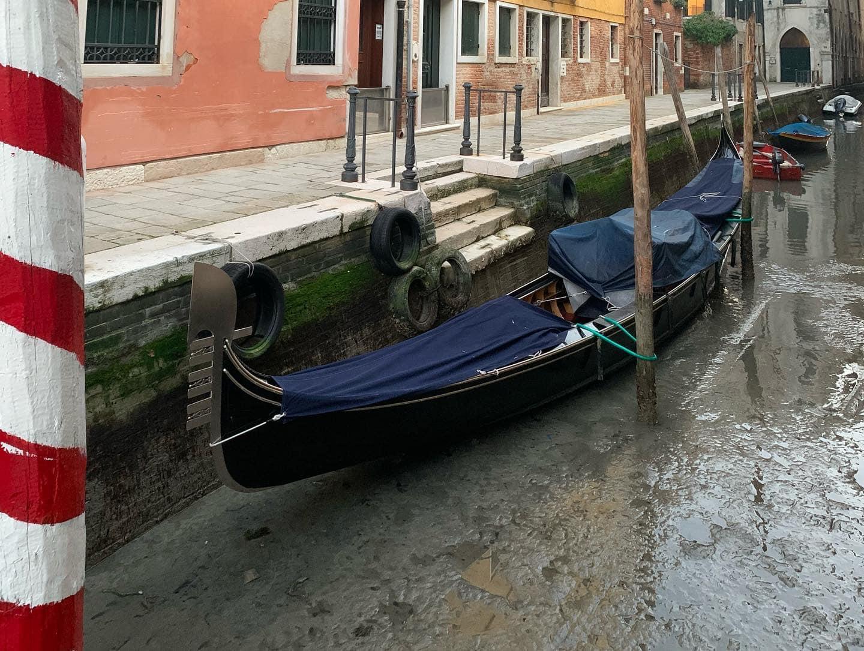 Каналы Венеции без воды – почему и как часто это бывает
