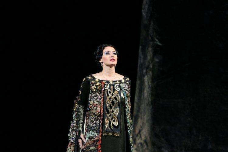 опера МакбетВерди с Викторией Ченской
